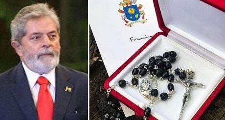 El Papa envio rosario bendecido a Lula da Silva