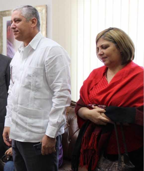 Warnel Lores Mora Y Esposa Aylin Perez Valiente