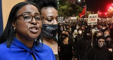 Alcaldesa democrata marxista de Nueva York ayuda a BLM en las protestas