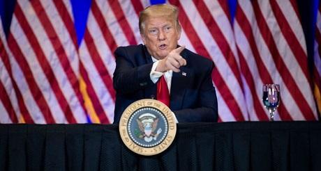 Trump firma orden ejecutiva reduciendo costos Rx