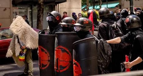 Manifestantes BLM Antifa promueven terror en DC