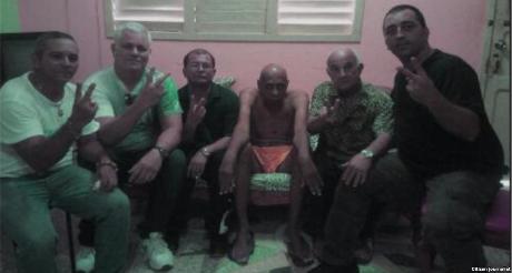 Farinas depone huelga de hambre